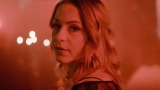 Musik-Video-Miniaturansicht zu Flowers Songtext von Lucy Spraggan