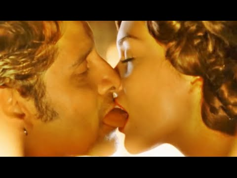 Amy Jackson & Vikram Hot Sexy Video HD