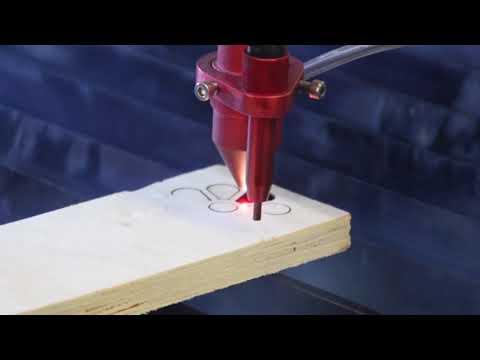 Cięcie OSB 13,5mm przy użyciu lasera Co2 seria C | OSB 13,5mm cutting using Co2 laser C series - zdjęcie