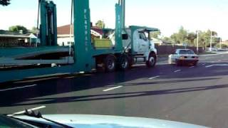 ROAD RAGE IN ADELAIDE truck VS car UNCUT FOOTAGE original video of what was seen on channel nine news
