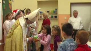 preview picture of video 'CSŠ sv. Cyrila a Metoda Humenné  - sv.  Mikuláš 2009'