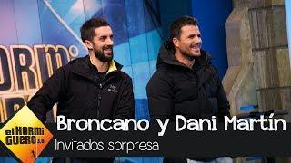 Dani Martín y David Broncano irrumpen en plató durante la visita de Rosalía - El Hormiguero 3.0