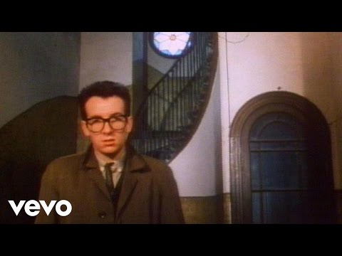 Elvis Costello & The Attractions - I Can't Stand Up For Falling Down