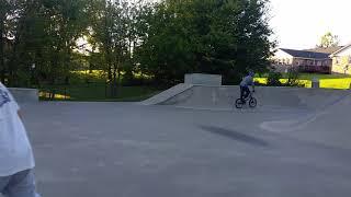 Gambar cover Skatepark handrail