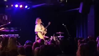 Make Me A Robot - Tessa Violet Live in Atlanta