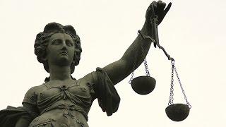 Смотреть онлайн Можно ли стать адвокатом в Канаде