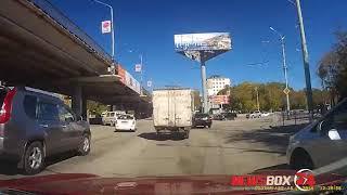 Столкновение двух иномарок на Второй речке попало на видео