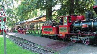 preview picture of video 'Schlossgartenbahn in Karlsruhe'