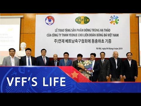 Yeonje trao tặng sản phẩm đông trùng hạ thảo cho LĐBĐVN