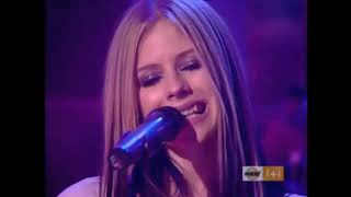 Real Avril Lavigne VS double (performing Nobody's home)