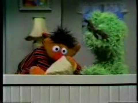 Sesame Street - Ernie which lost Rubber Duckie