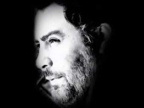 Ahmet Kaya – Bırak Ay Gitsin Sen Kal Bu Gece
