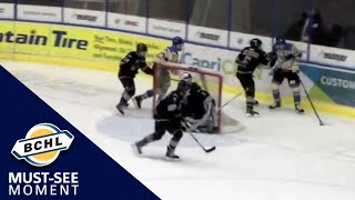 Must See Moment: Quinn Hutson sets up Jackson Niedermayer with a one-handed pass