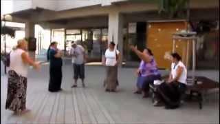 šílená hádka romů ve Znojmě