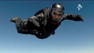 В Чите обнародованы страшные кадры падения парашютиста на высоковольтные провода