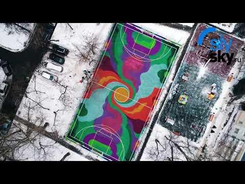 Съемка с воздуха спортивной площадки.