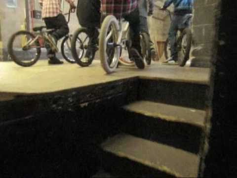 chilled central skatepark sesion with mates knoll bmx