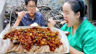 50 yuan of pork belly, do garlic meat, A Duo full eyes, the saliva is flowing out!
