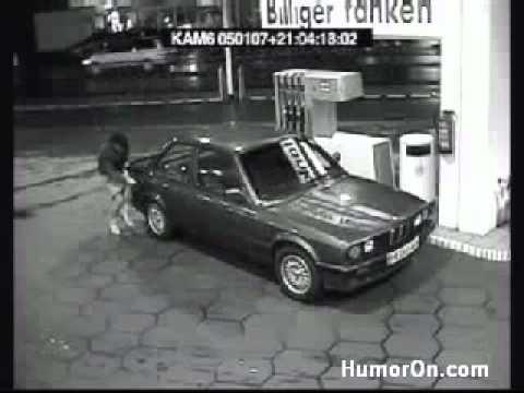 Im Benzintank bleibt das Benzin