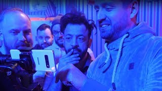"""Samsung Galaxy S10+ Features Im """"Karte Brennt"""" Musikvideo Mit Rooz Lee X Olexesh X Daniel Zlotin"""