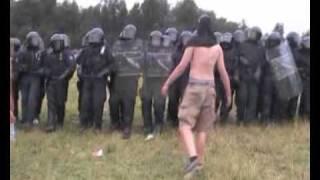 Police intervention @ the CzechTek 2005