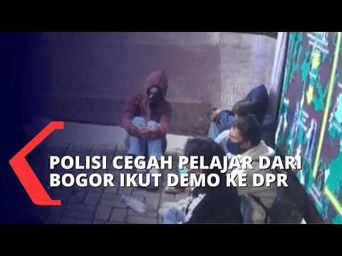 hendak ikut demo di dpr pelajar terjaring petugas gabungan di stasiun bogor