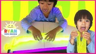 How to Make Glow in the dark slime Goo! Disney Cars Thomas Train Kinder Egg Surprise Toys