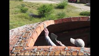 Impressively skilled bricklayers, Vault contruction.