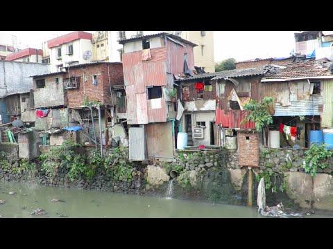 In de sloppenwijk Dharavi (02.10)