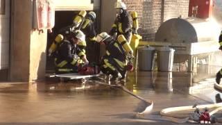 preview picture of video 'Abschlussübung LG Holzwickede-Hengsen.Brand in einem Werkstattgebäude'