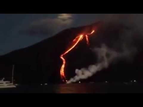 Eruzione Stromboli 08 08 14 (di Sebastiano Puglisi della motonave Aliante)