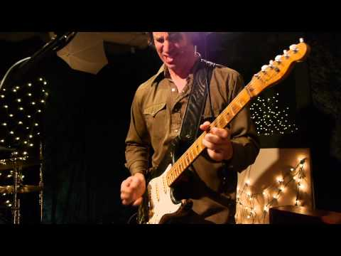 Ian Moore and the Lossy Coils - Birds Of Prey (Live at KEXP)