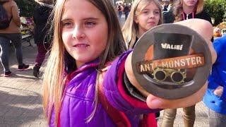 ШОК! МОНСТРЫ СРЕДИ НАС едем на поезде в парк атракционов Влог видео для детей Ксюша и Катя шоу vlog