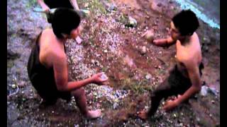 preview picture of video 'Jugando Ciencias Liceo 3 Fray Bentos - Prehistoria. 3º4'