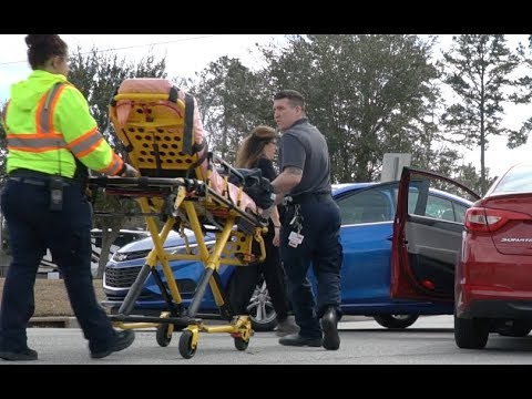 How Much Does An Emt Make >> Emt Firefighter Job Responsibilities And Salary Video