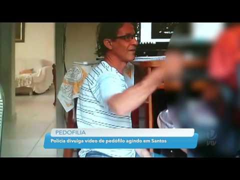 Polícia divulga vídeo de pedófilo acariciando uma criança em Santos