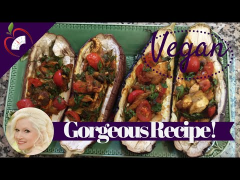 Video Clean Eating Vegan Recipe: Baked Stuffed Aubergines / Eggplant