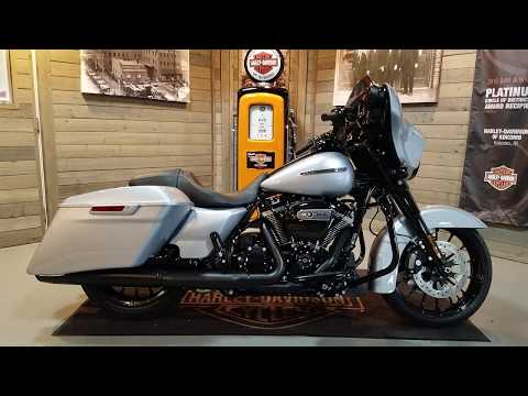 2019 Harley-Davidson Street Glide® Special in Kokomo, Indiana - Video 1