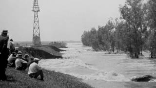 Great Mississippi River Flood of 1927: TRICENTENNIAL MOMENTS: