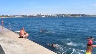 Пляжи в Севастополе. Хрустальный. Обзор.