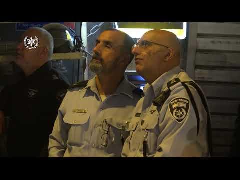 צפו: השוטרים הורסים סוכה וגורמים למהומה במאה שערים