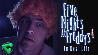 FIVE NIGHTS AT FREDDY'S 4 IN REAL LIFE | (FNAF 4 En la vida real)