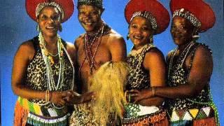 Mahlathini And The Mahotella Queens    Uyavutha Umlilo