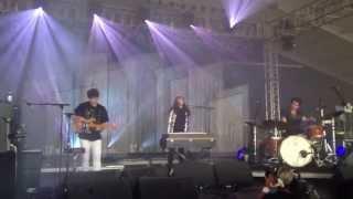 "Beach House ""Lazuli"" Live @ Bonnaroo 2013"