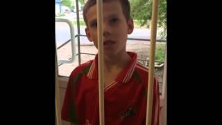 Смотреть онлайн Мальчик в ломбарде обменял спички на 20 рублей