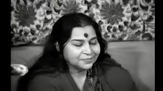 Shri Mataji Teaches French Yogis to sing Bhajans, Eve of Sahasrara Puja thumbnail