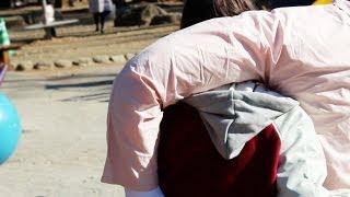 【ドッキリ!】彼氏の腕枕とのデート Japanese Boyfriend Arm Pillow?! - YouTube