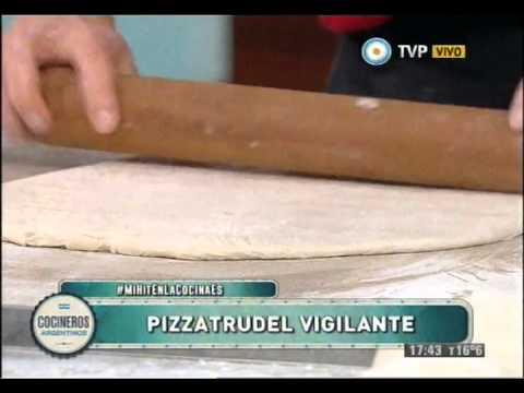 Pizza strudel vigilante con Antonio Ríos
