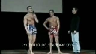 Ван Дамм  - Тренировка Муай Тай (Демонстрация Ударов Ногами)