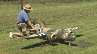 Crash of Giant RC B 25 model from Ziroli plan - Maiden Flight disaster